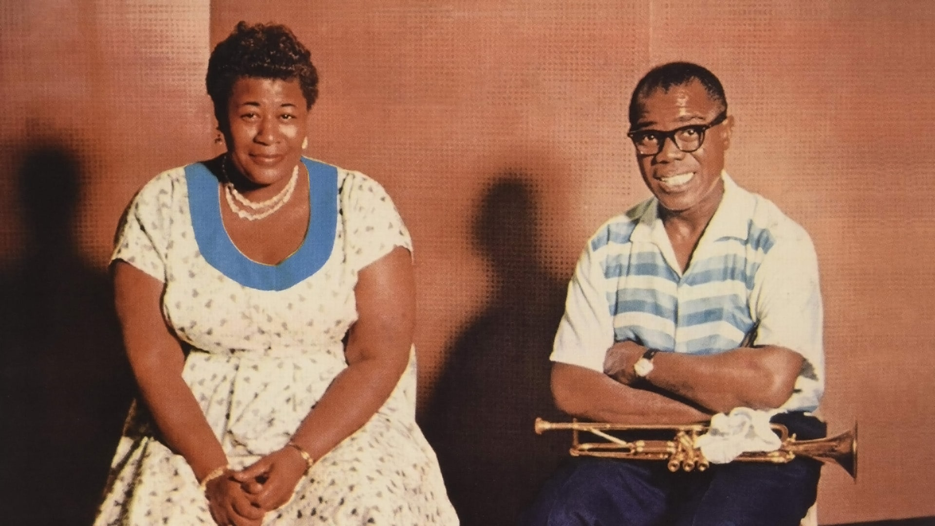 Ella Fitzgerald & Louis Armstrong - April in Paris