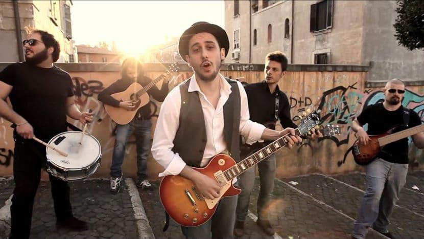 I Santi Bevitori - Un Giorno Alle Poste - Luca Bocchetti - Yuri T. Colafigli - Lucio Vaccaro - Walter Brunetti - Alessandro Lopane