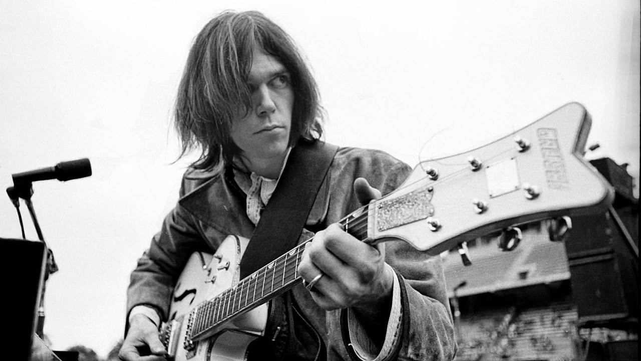 Neil Young & Crazy Horse - Down By The River