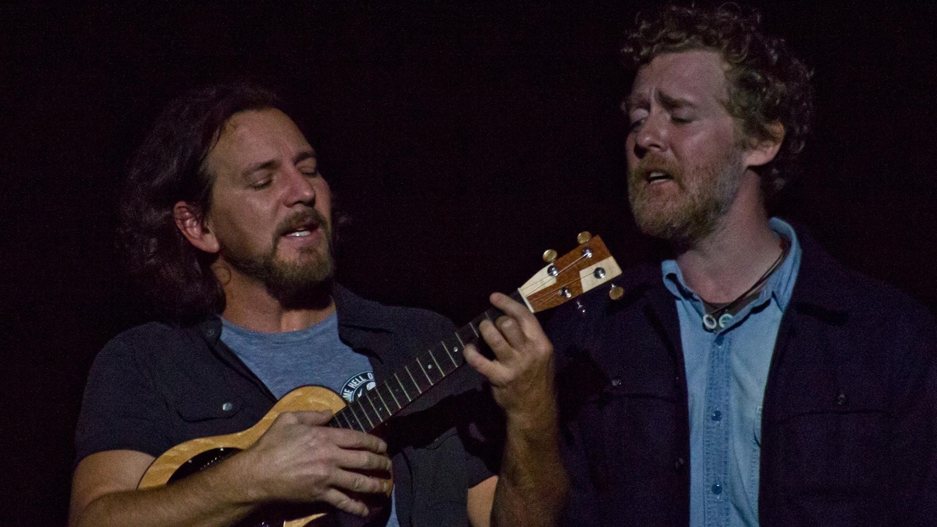 Glen Hansard Feat. Eddie Vedder - Drive All Night